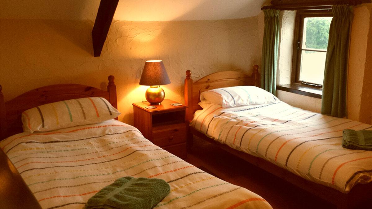 SandparkCottage-Bedroom2